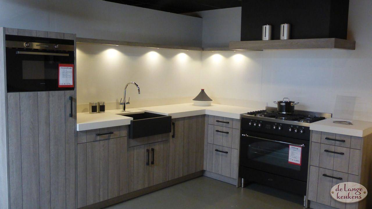 Hoek Keukens Showroom : Moderne hoek keuken v line de lange keukens