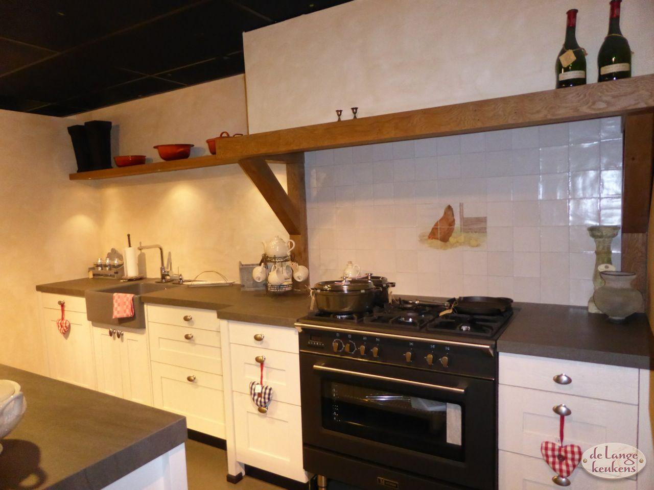 New Keuken inspiratie: landelijk met kookeiland - De Lange Keukens @JR05