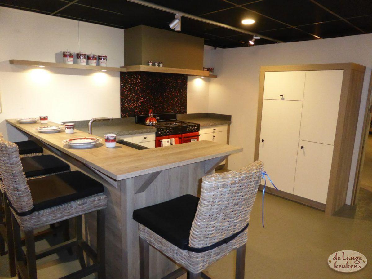 Showroom aanbieding landelijke keuken noaber de lange keukens - Keuken bar boven ...