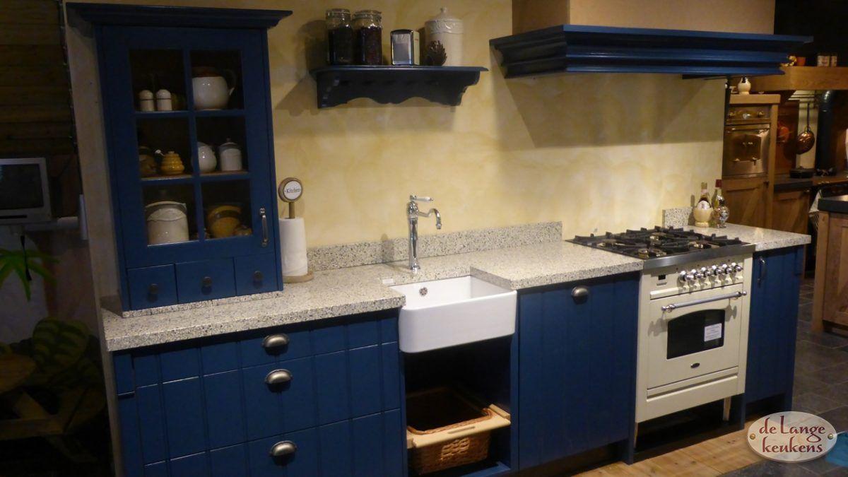 Klassiek blauwe keuken elzas   de lange keukens
