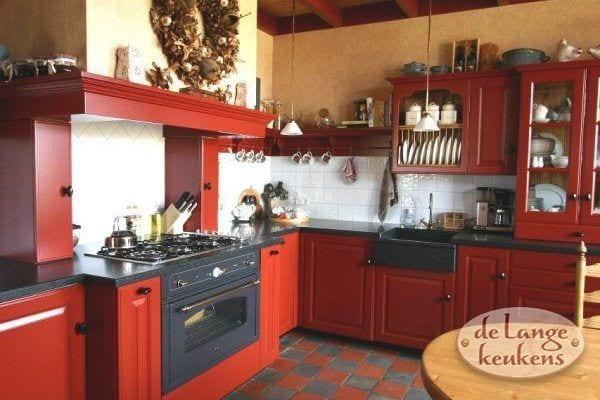 Keuken inspiratie: rode landelijke keuken
