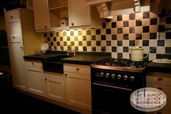 Keuken inspiratie: sfeervolle houten keuken   de lange keukens