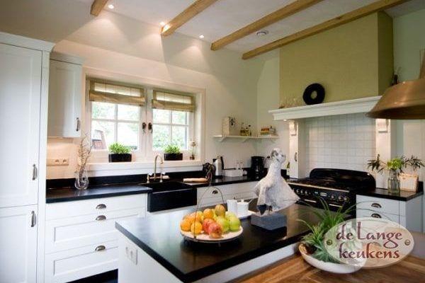 Keuken inspiratie: stijlvolle landelijke keuken   de lange keukens