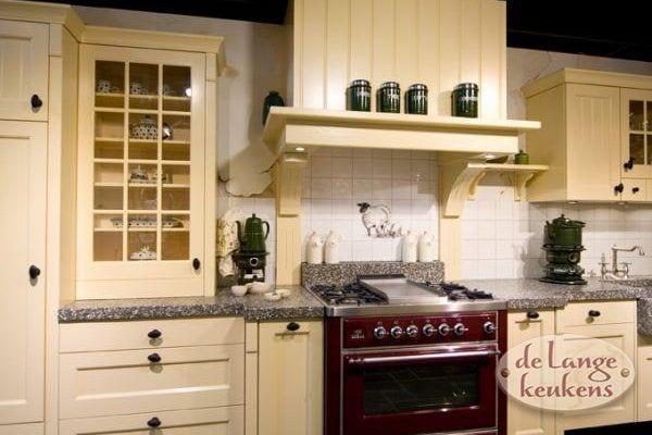 Keuken inspiratie: landelijke keuken crème