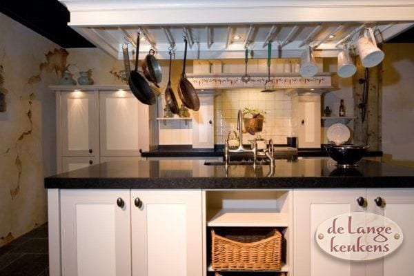 Landelijk Kleuren Keuken : Landelijke keuken in twee kleuren keukens op maat keukenloods