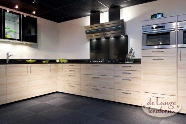 Keuken inspiratie: grote strakke hoek keuken