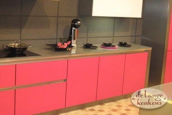 Keuken inspiratie: roze moderne keuken