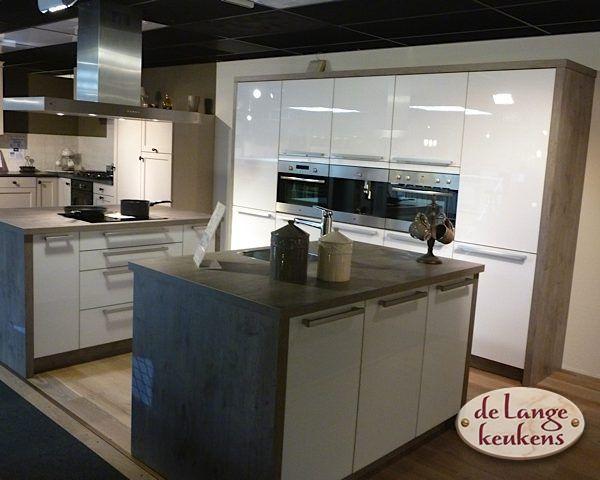 Moderne Hoogglans Keuken : Keuken inspiratie hoogglans keuken de lange keukens