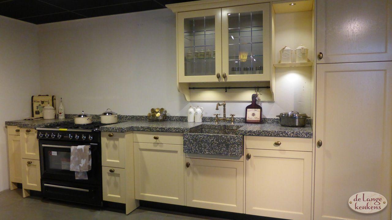 Geel De Keuken : Antiek gele keuken brink de lange keukens