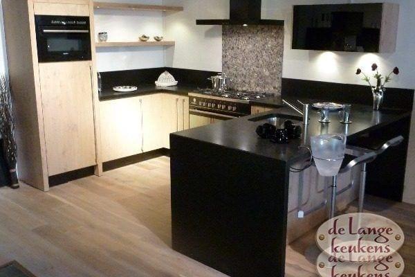 Keuken inspiratie rode houtkleur de lange keukens - Houtkleur zwart ...