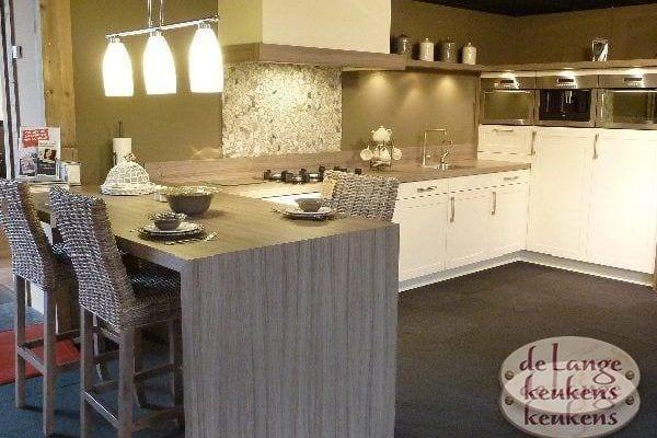 Keuken inspiratie: moderne grote keuken