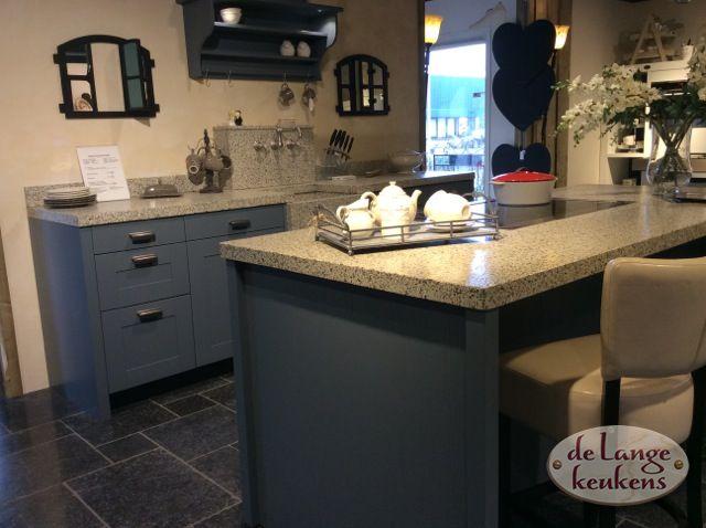 Donkerblauwe Keuken : Donkerblauwe keuken Spinnerij De Lange Keukens