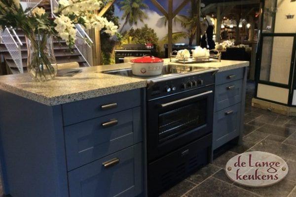 Donkerblauwe keuken Spinnerij