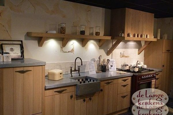 Keuken inspiratie: lage houten keuken
