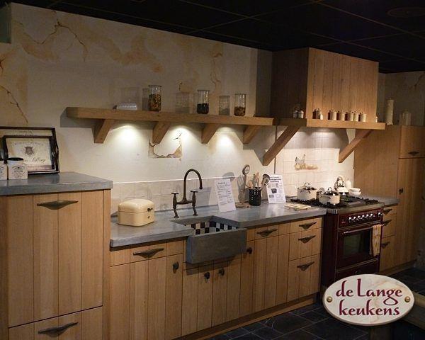 De Lange Keukens : Keuken inspiratie: lage houten keuken de lange keukens