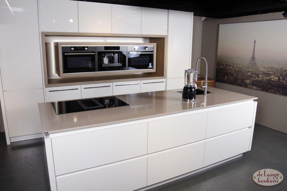 Moderne witte keuken diamond line de lange keukens