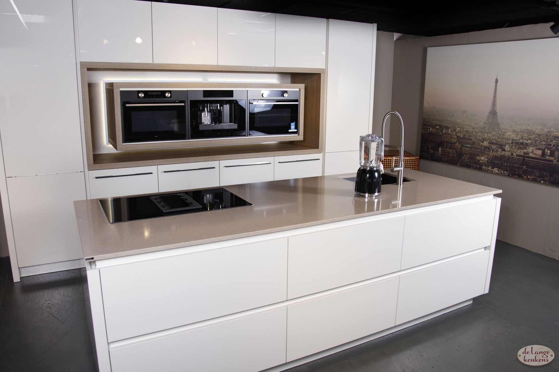 Moderne witte keuken diamond line