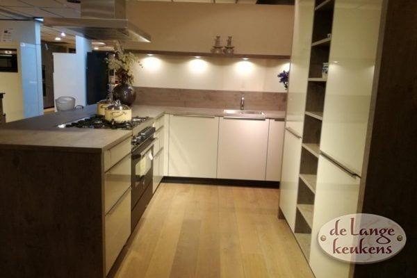 Zwart Grijs Keuken : Zwart wit grijze keuken met portugese tegels Интерьер кухни
