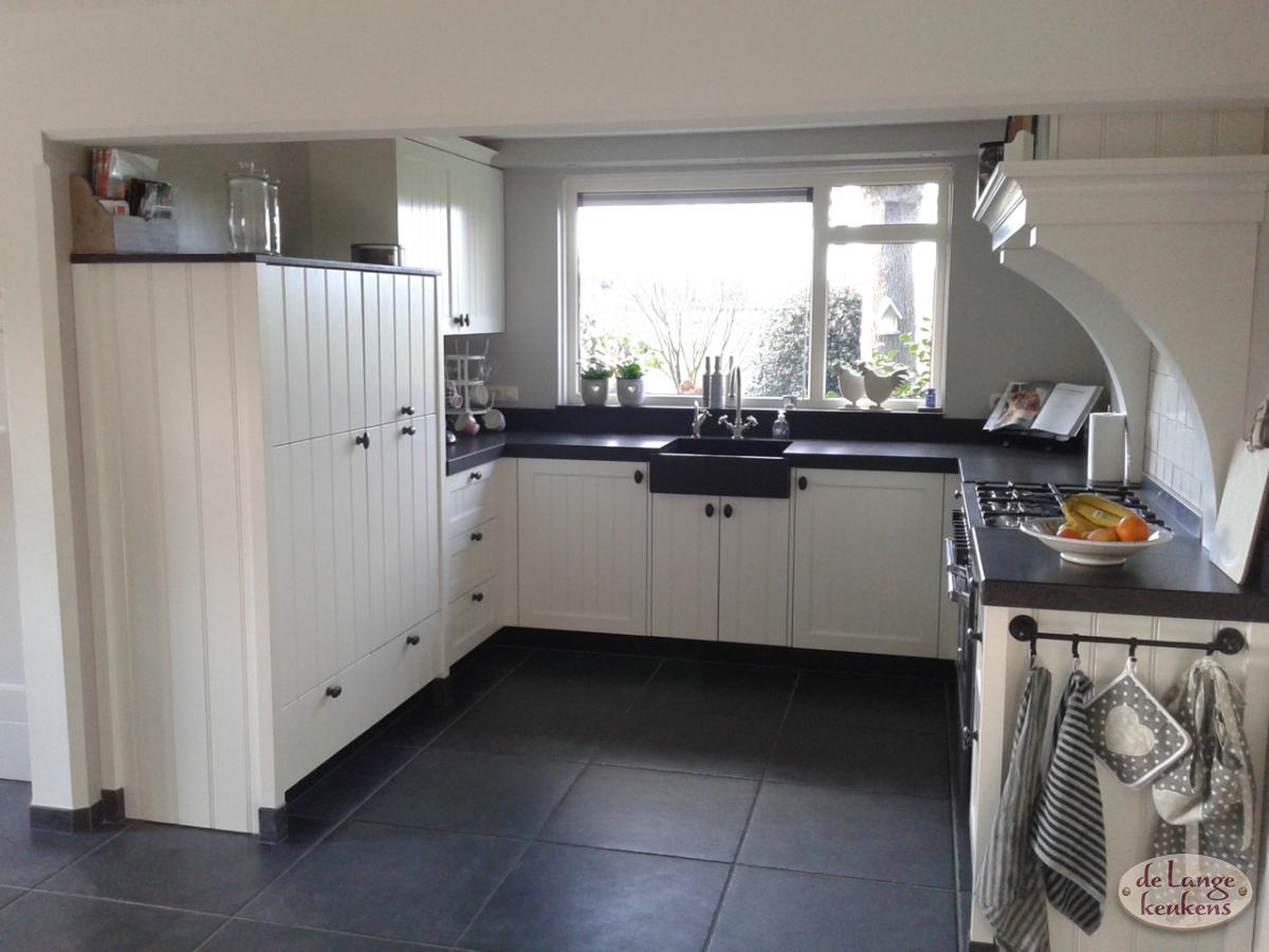 Keukens Zwartwit Nieuwenhuizen : Landelijke keuken zwart wit de lange keukens
