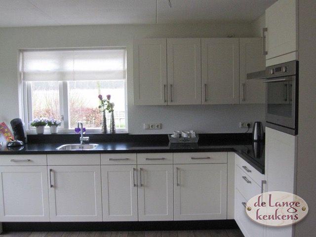 Witte Complete Hoekkeuken.Grote Strakke Witte Hoekkeuken De Lange Keukens