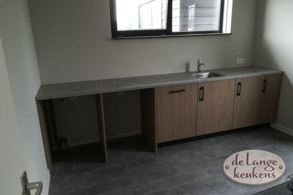 Landelijke keuken eiken houtdecor met losstaande koelkast