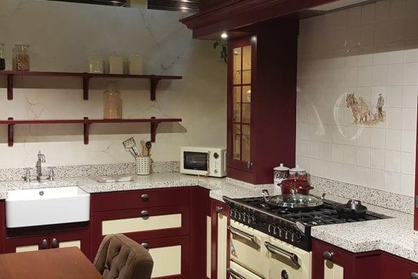 Landelijke eiken gelakte showroom keuken Korenmolen