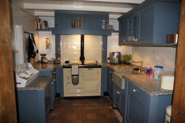 Keuken inspiratie: grijs blauwe U keuken